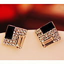 Women's Basic Diamond Studs