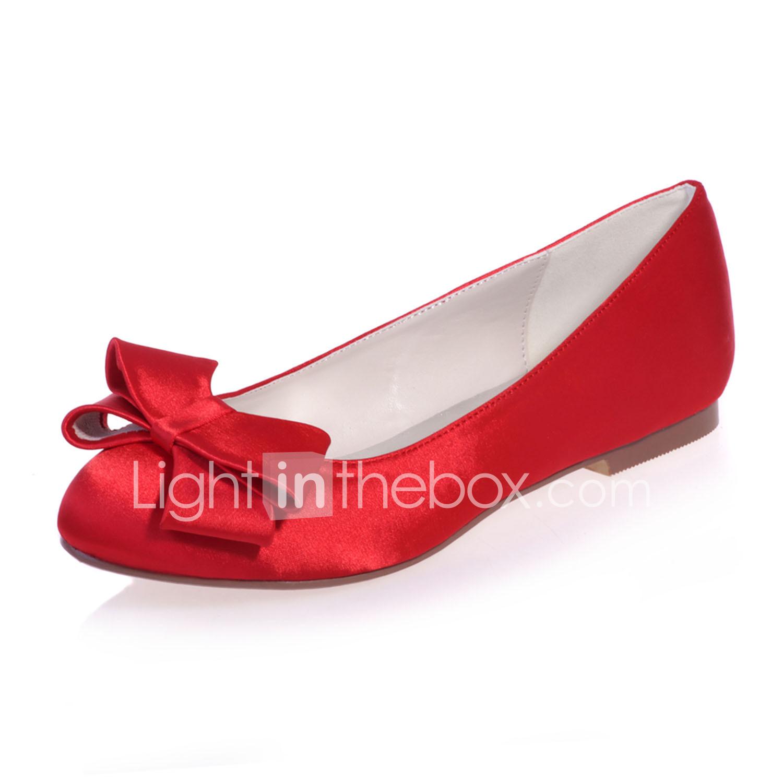 Zapatos de boda azul del satén