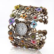 女性用 ファッションウォッチ ブレスレットウォッチ クォーツ 合金 バンド ビンテージ フラワー バングル エレガント腕時計 ブロンズ