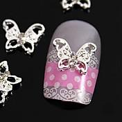指先ジュエリーアクセサリーネイルアートの装飾のための10個入りの中空蝶ラインストーン合金