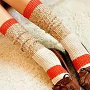 女性のレトロな太い編み針コットンストッキング(ランダムカラー)