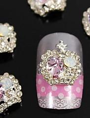 10ks módní slitina růžové křišťálové kamínky koruna nail art dekorace