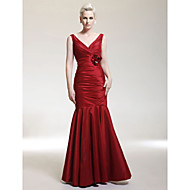 TS Couture® Formal Evening / Military Ball / Wedding Party Dress - Open Back Plus Size / Petite Trumpet / Mermaid V-neck / Straps Floor-length Taffeta