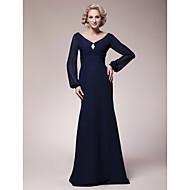 Sheath/Column Plus Size / Petite Mother of the Bride Dress - Floor-length Long Sleeve Chiffon