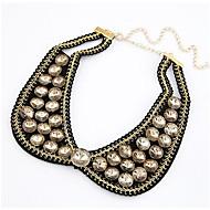 Faux collier de perles collier de forme des femmes