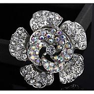 kadın moda yaygın çiçek şekli gümüş alaşımlı yapay elmas broş