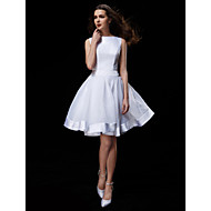 Lanting Bride® A-line Petite / Plus Sizes Wedding Dress Knee-length Bateau Organza / Satin with