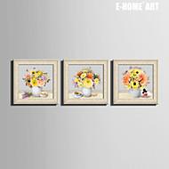Blommig/Botanisk / Stilleben Inramad duk / Inramat set Wall Art,PVC Beige Ingen passepartout med Frame Wall Art