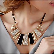 בגדי ריקוד נשים שרשראות מחרוזת שרשראות הצהרה Geometric Shape סגסוגת תכשיטים גדולים זהב תכשיטים ל Party 1pc
