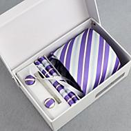 homens de negócios amarrar 5 peças de um conjunto com caixa