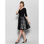 A-line Mother of the Bride Dress - White / Black Knee-length Half Sleeve Lace / Jersey