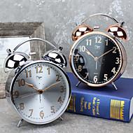 שעון מעורר עם סגנון casemodern matel