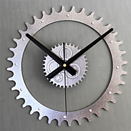Moderno/Contemporâneo Retro Férias Inspiracional Desenho Animado Família Relógio de parede,Redonda Inovador Metal 30 Interior/Exterior