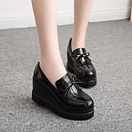 Damen Loafers & Slip-Ons Komfort PU Frühling Herbst Lässig Keilabsatz Schwarz Burgund 2,5 - 4,5 cm