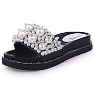 Для женщин Обувь Полиуретан Лето Светодиодные подошвы Тапочки и Шлепанцы Для прогулок На плоской подошве Открытый мыс Жемчуг Назначение