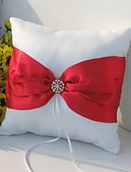 oreiller anneau en satin blanc avec ceinture et l'accent strass