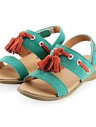 sandálias de salto dos miúdos em pele de baixo custo com borla