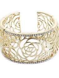 la mode des dames bracelet gravé retour à structure ouverte,