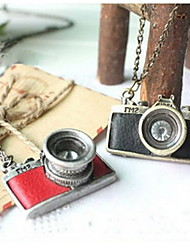 femmes collier vintage camera