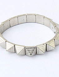 Liga Vintage Triângulo pulseira de rebite Abertura Conectado (cores sortidas)