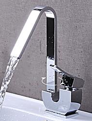 Design unique finition chromée style contemporain en laiton seul trou Robinets de lavabo