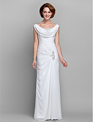 Lanting Bride Sheath / Column Plus Size / Petite Mother of the Bride Dress Floor-length Sleeveless Chiffon withBeading / Buttons /
