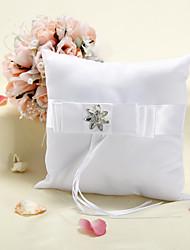 Almohadilla del anillo In White Satin con diamantes de imitación