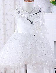 Mangas da menina com vestido de Flor