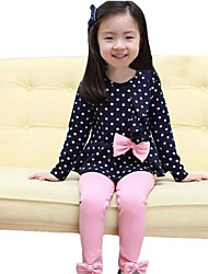 Girl's Dots and Bowknot Pattern Clothing Set