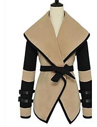 Abrigo para Mujer con Cuello Alto y Cinturón