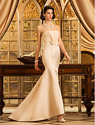 Lanting Trumpet/Mermaid Petite / Plus Sizes Wedding Dress - Champagne Sweep/Brush Train Strapless Satin