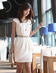Ronde robe de collier des femmes avec la ceinture