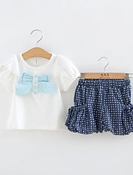 Mädchen-Sommer-Kurzarm-T-Shirt Weiß und Blue Dot Short Zwei-Stücke Stoff Set