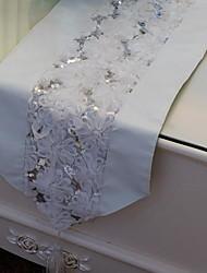 Fleurs de dentelle cousue chemins de table en cuir