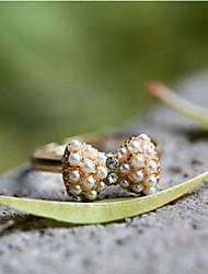 J & G Nueva Corea Moda Acessorios Office Ladys delicado anillo del Bowknot Golden Pearl