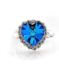 J & G Damen-Herz-Form-elegante Kristall-Ring