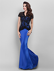 TS Couture® Prom / Formal Evening / Military Ball Dress Plus Size / Petite Trumpet / Mermaid V-neck Floor-length Lace / Satin with Appliques / Lace