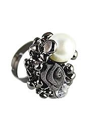Rencontrez-vous en forme de Rose or rose 18 carats de placage anneau incrusté de perle autrichienne