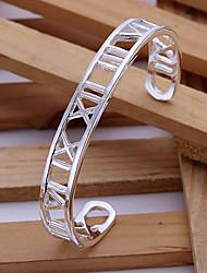 Lureme®Silver Plated Copper-Nickel Roman Numerals Alloy Cut-out Design Cuff Bracelet