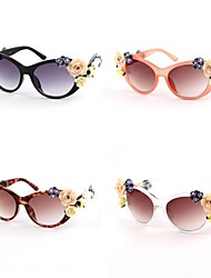 Woman's Retro Hollow Sunglasses (Assorted Color)