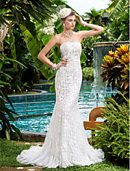 Lanting Bride Trumpet/Mermaid Petite / Plus Sizes Wedding Dress-Court Train Strapless Lace