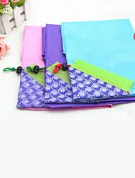 patrón de uvas multicolor protección del medio ambiente bolsa de compras de nylon, color al azar