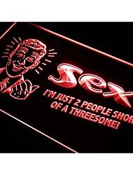 sexo i054 2 personas cortas de un letrero de neón trío