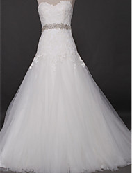 Lanting Bride® Fit & Flare Wedding Dress Court Train Sweetheart Tulle with Appliques