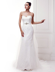 Lanting Bride® Sheath / Column Wedding Dress Court Train Sweetheart Lace with