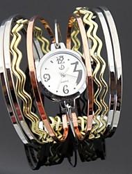 personnalité de la mode montre-bracelet de forme d'onde des femmes rocheuses