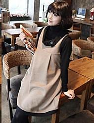 camisa de maternidad de dos piezas de ropa de manga larga de cuello alto negro y vestido de chaleco de color beige