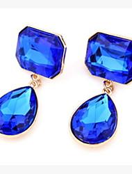 Lusa Elegant Stud Earrings
