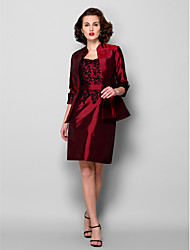 Sheath/Column Mother of the Bride Dress - Burgundy Knee-length 3/4 Length Sleeve Taffeta