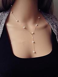 mode de style européen y collier de perles atmosphère des femmes